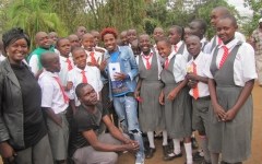 bomas-of-kenya-pupils-with-eric-omondi-b